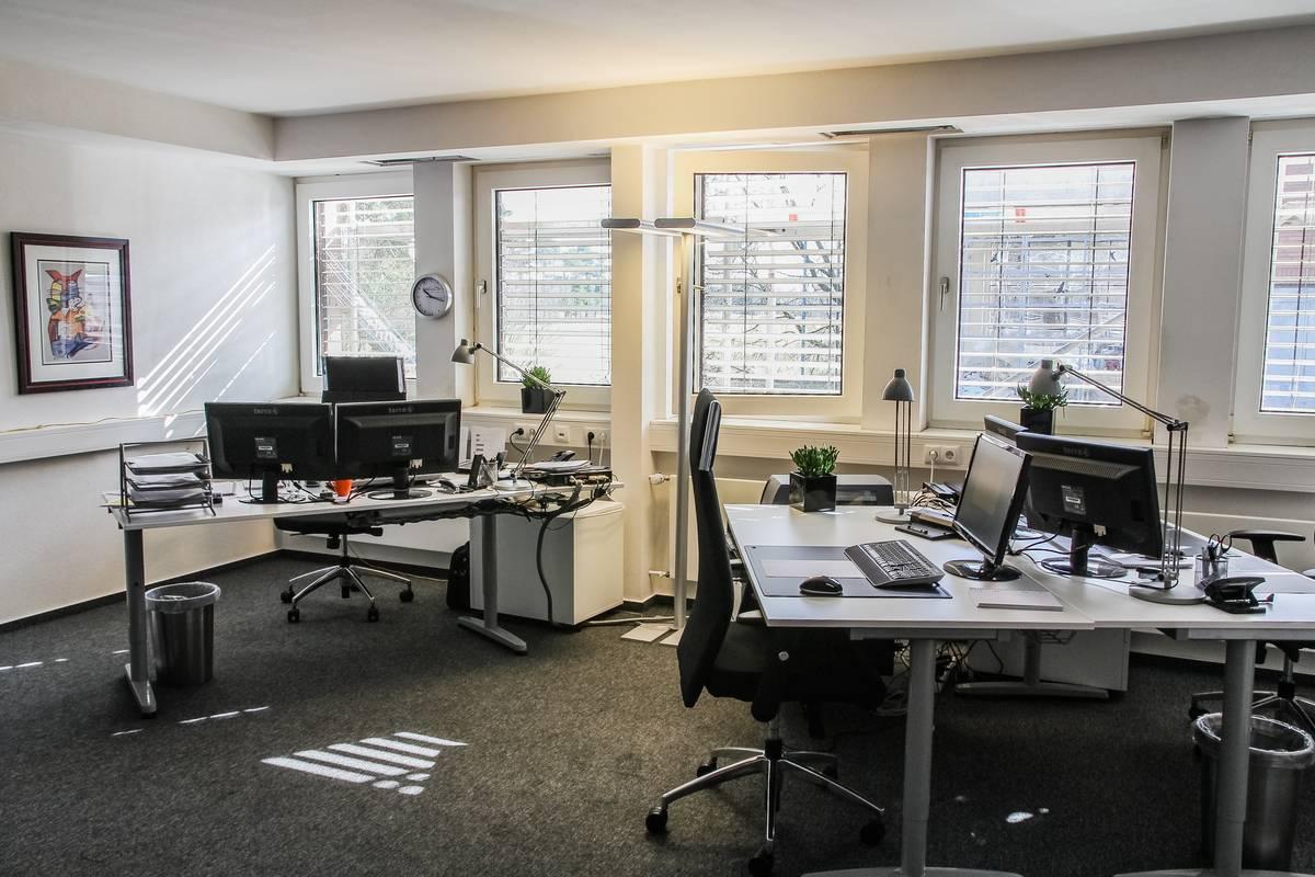 hallen und b ros mieten im business park ipnw. Black Bedroom Furniture Sets. Home Design Ideas